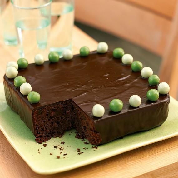Celebration Cake Recipes: Whisky And Raisin Chocolate Celebration Cake