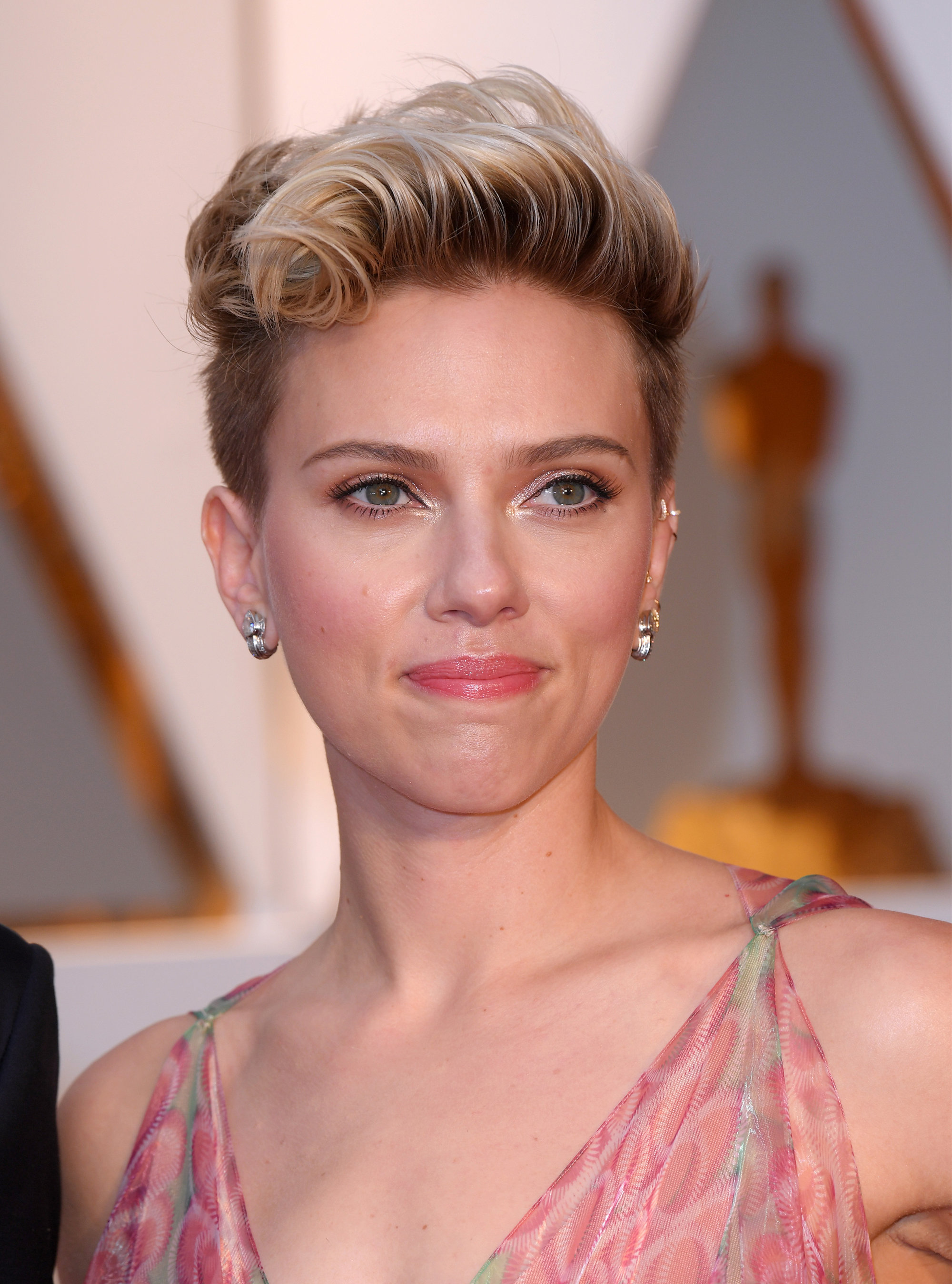 The Short Hair Trend On The Oscars Red Carpet Woman And Home