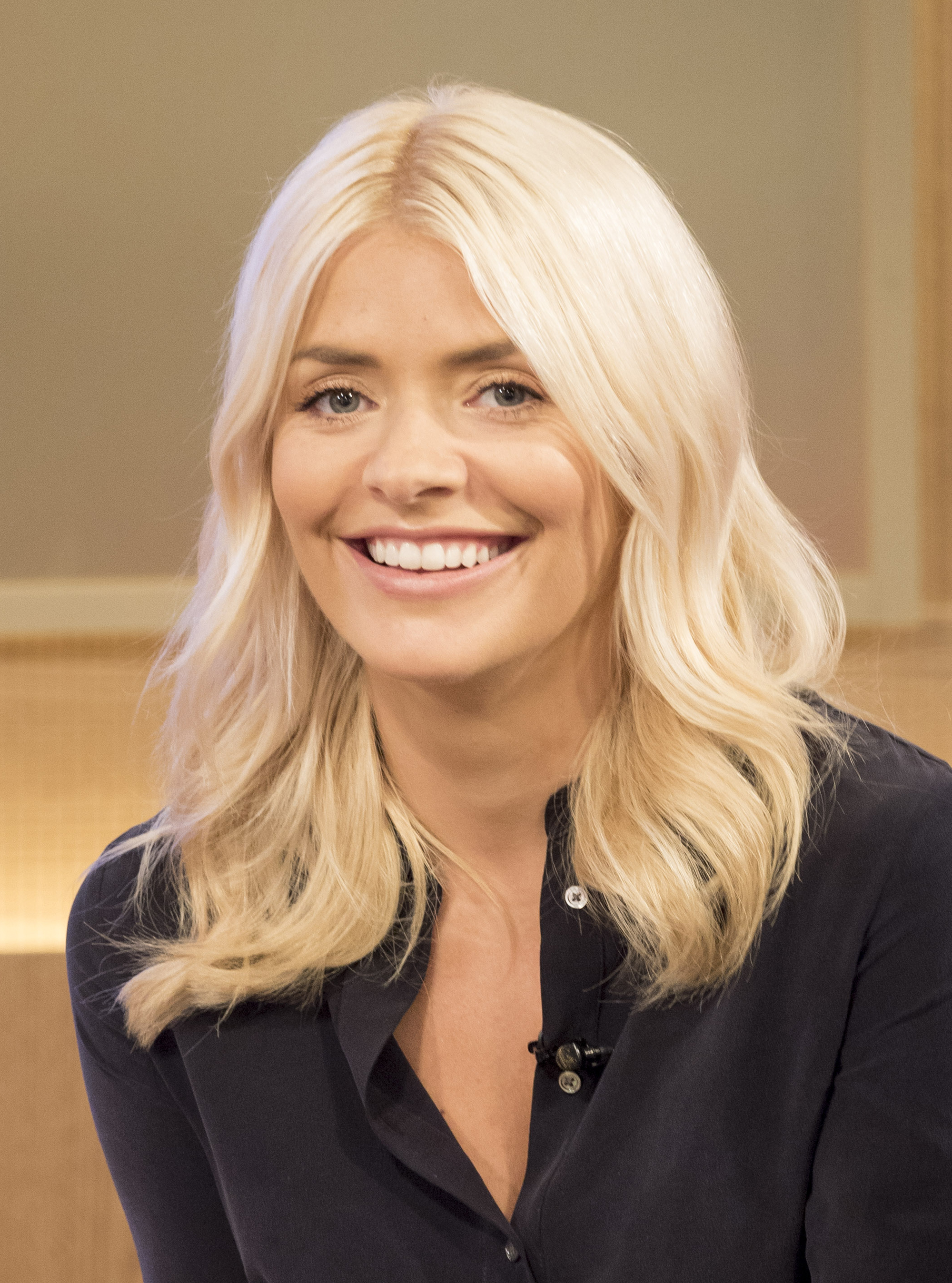 holly willoughby - photo #30
